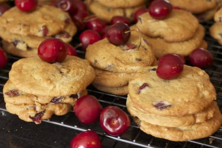 A close up of food, with Cookies and Bing cherry
