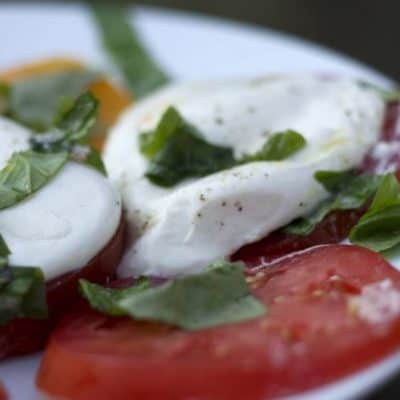 Insalata Caprese con Burrata – Caprese Salad with Burrata Cheese