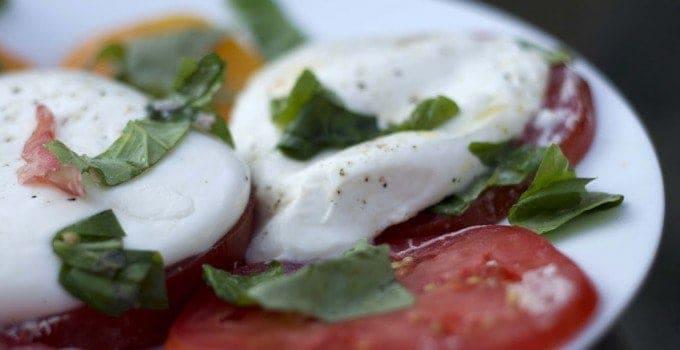 Insalata Caprese con Burrata – Caprese Salad with Burrata Cheese