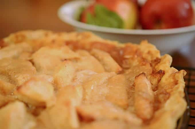 Learn how to make apple pie.
