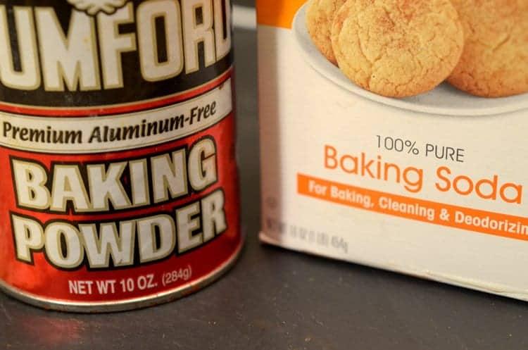 FOOD FLASH! Baking Baking Soda Vs  Baking Powder  What's the