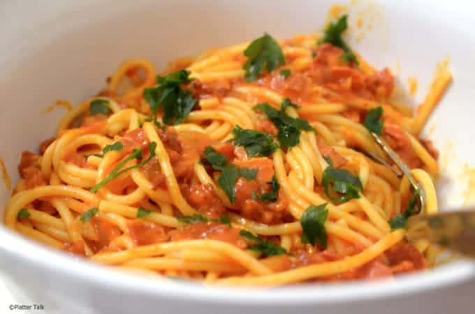 Bucatini all' amatriciana recipe