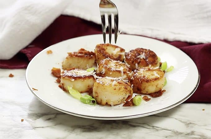 Learn how to cook scallops in this scallps recipe from Platter Talk food blog.