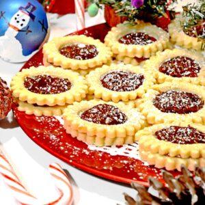 A plate of spitzbuben cookies