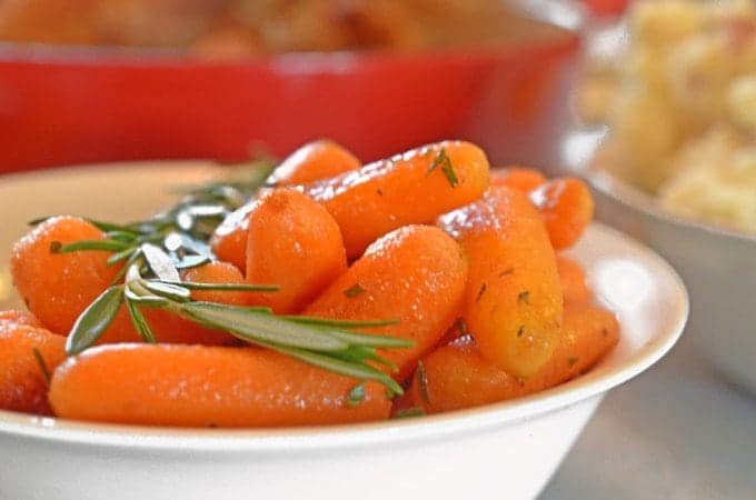 Roasted Rosemary Butter Carrots – This versatile side dish is fast ...