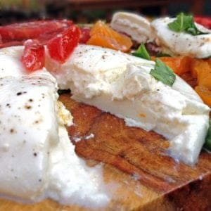 Insalata Caprese con Burrata – Caprese Salad with Burrata Cheese from Platter Talk