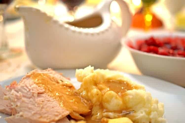 Rich Roasted Turkey Gravy Recipe - Yes You Can! - From ...