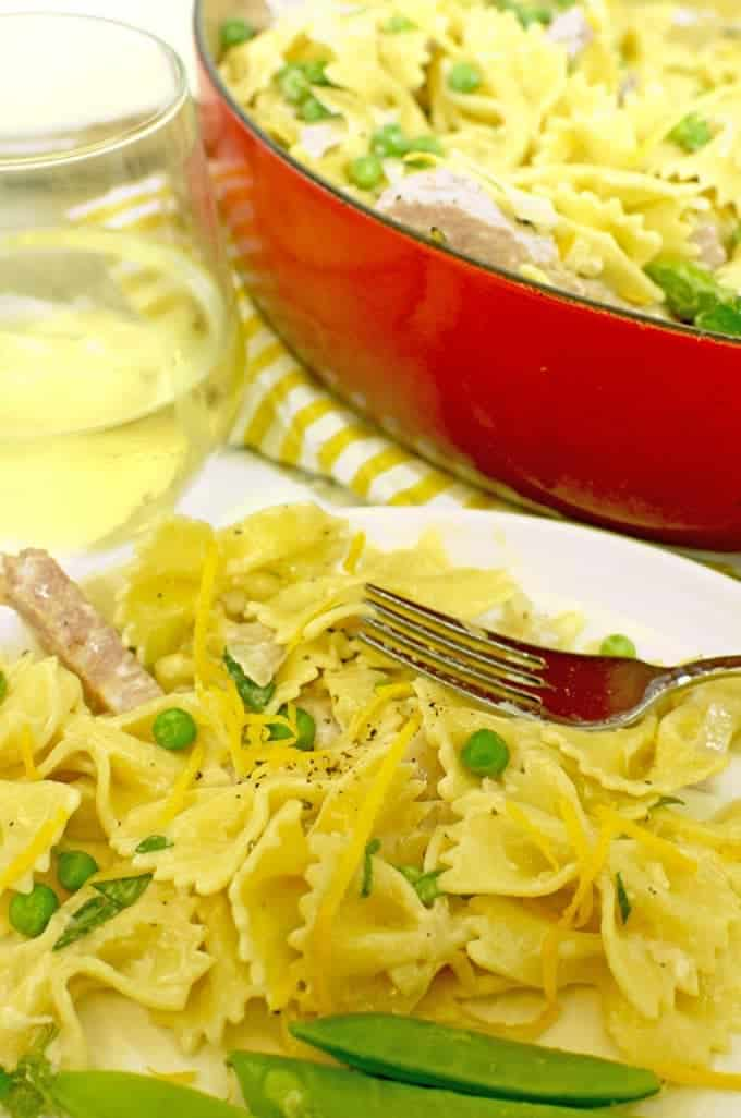 Creamy Pasta with Ham and Peas is a fast and easy recipe that can be madfe in just 15 minutes.