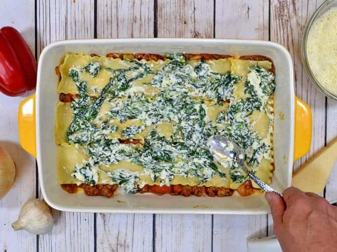 making the best easy lasagna recipe.