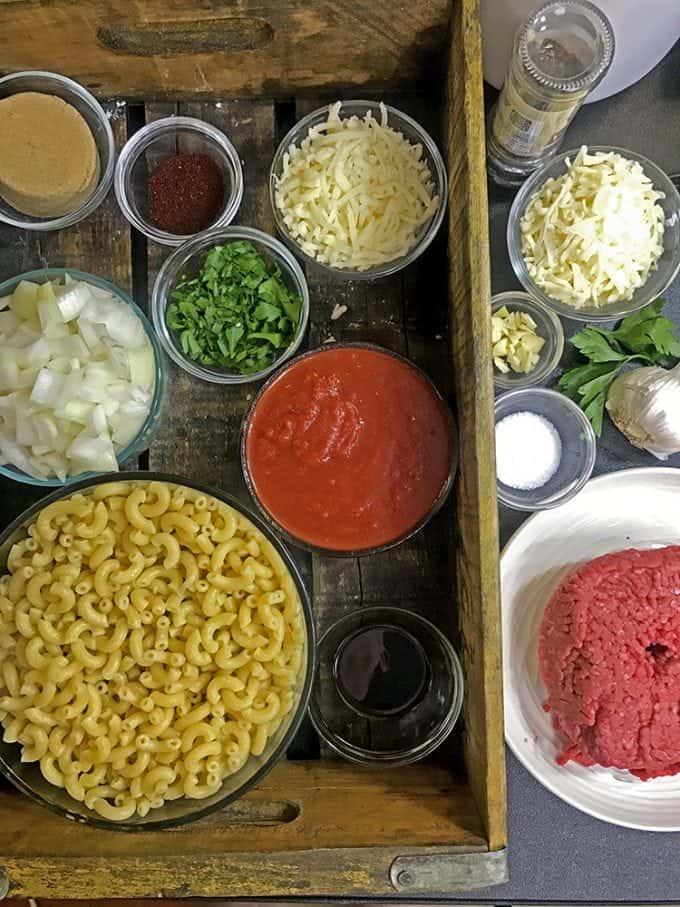 Ingredientsa for sloppy joe mac and cheese