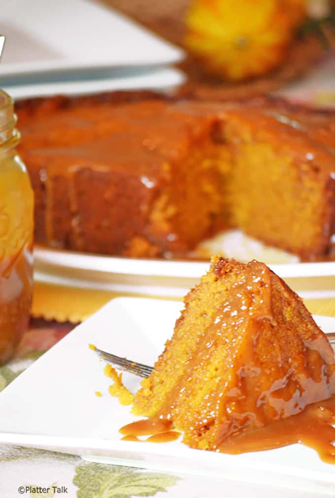 Serving of crockpot cake with caramel.