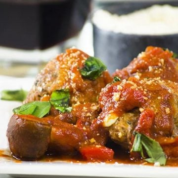 These pizza meatballs can be easily frozen to use later.