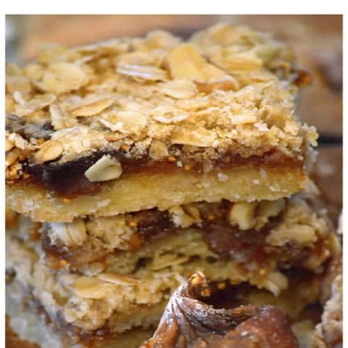 Fig bas stacked with oats