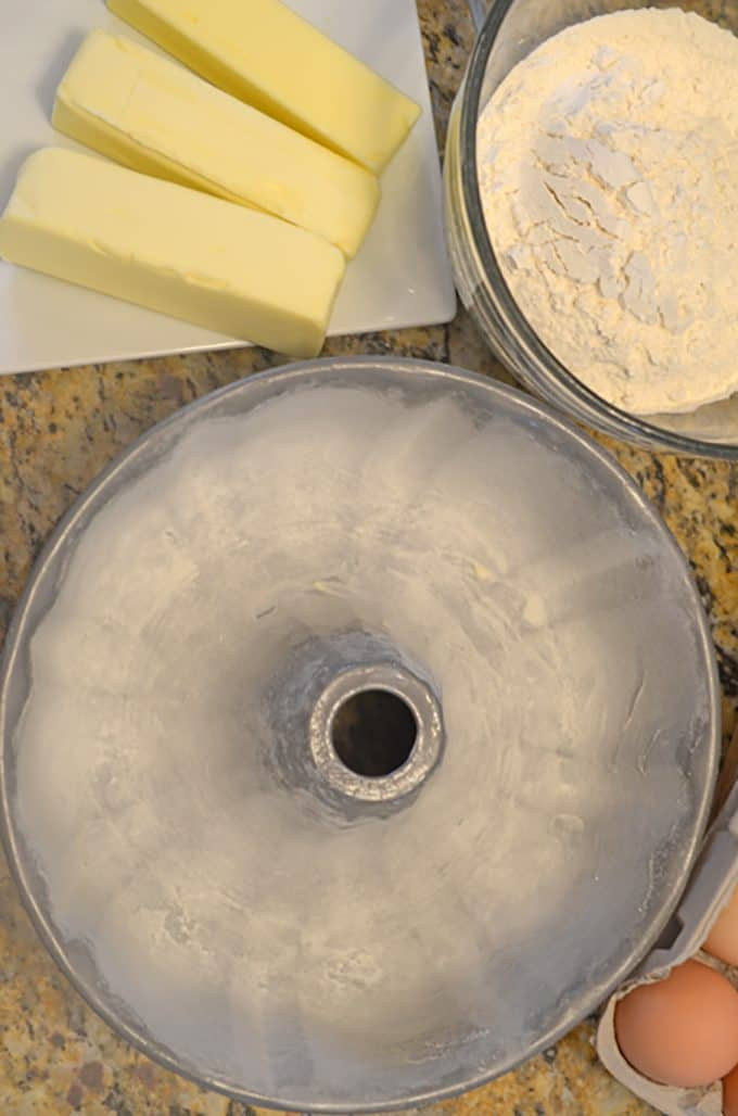 Learn how to grease a cake pan from Platter Talk.